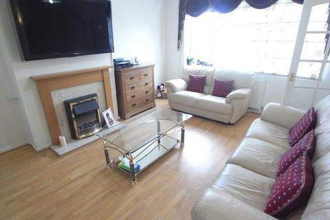 3 bedroom terraced house to rent - SPRINGFIELD RISE, HORSFORTH, LS18 5DS