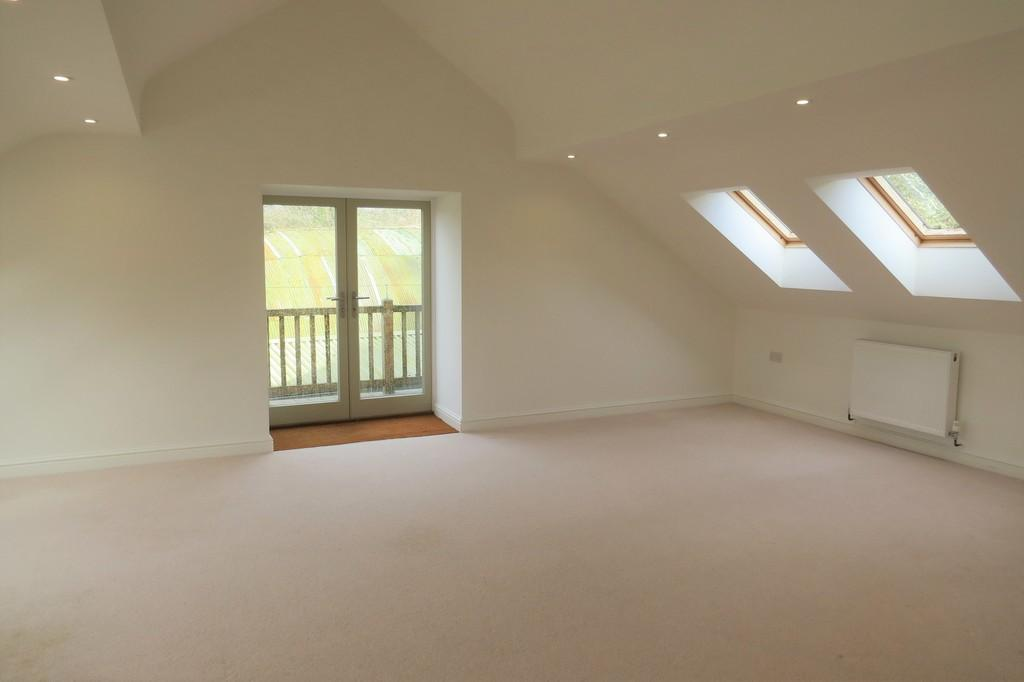 2 Bedrooms Apartment Flat for rent in Long View, Whiteway Estate, Chudleigh Outskirts