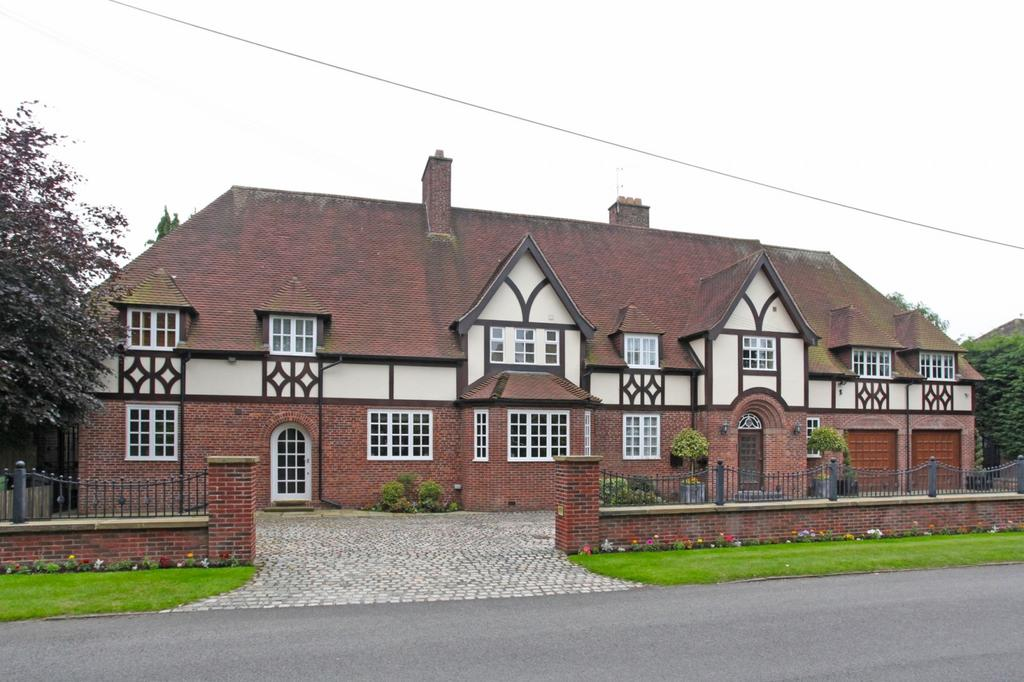 7 Bedrooms Detached House for sale in Fletsand Road, Wilmslow