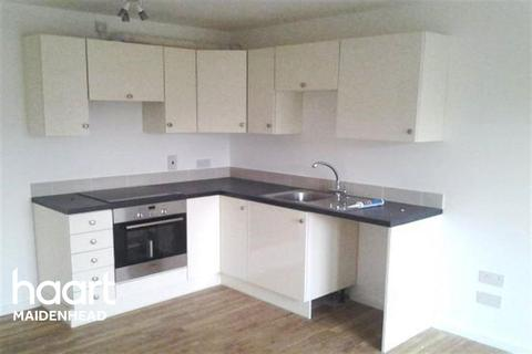 1 bedroom flat to rent - Larn House, Courtlands, Maidenhead, SL6 2PS