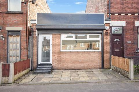 Terraced house to rent - Hale Road, Widnes, WA8 8TY