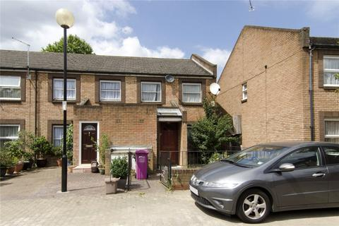 3 bedroom end of terrace house to rent - Rectory Square, Stepney, London, E1