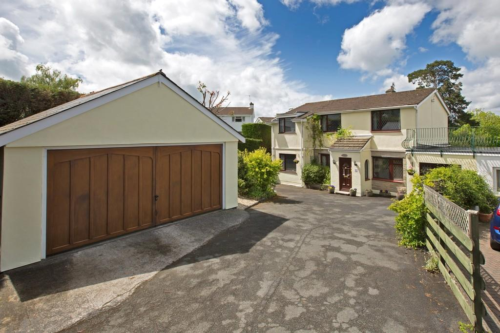 4 Bedrooms Link Detached House for sale in Courtenay Gardens, Newton Abbot