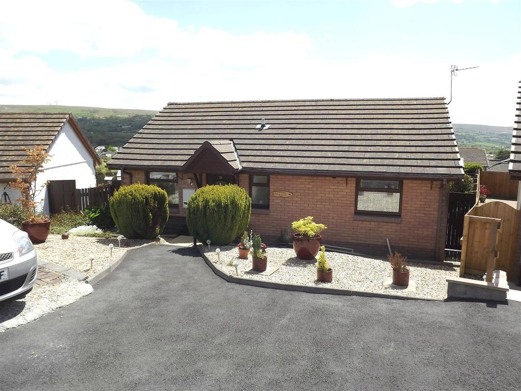 2 Bedrooms Detached Bungalow for sale in Y Gorsedd, Ammanford