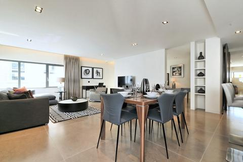3 bedroom flat to rent - Babmaes Street, St James's, London, SW1Y