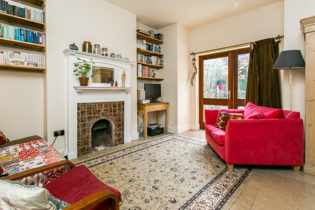2 Bedrooms Flat for sale in Arlingford Road, Brixton, London, SW2
