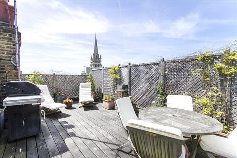 2 bedroom maisonette to rent - Mirabel Road, London