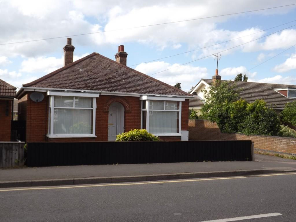 3 Bedrooms Detached Bungalow for sale in Burrowmoor Road, March