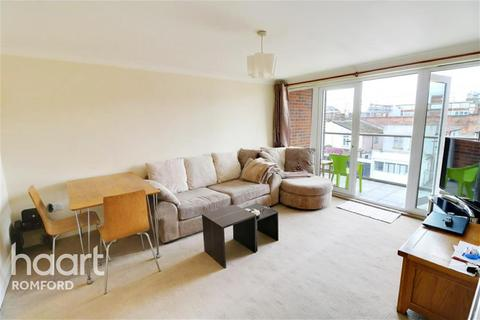 2 bedroom flat to rent - Centreview Court - Romford - RM1