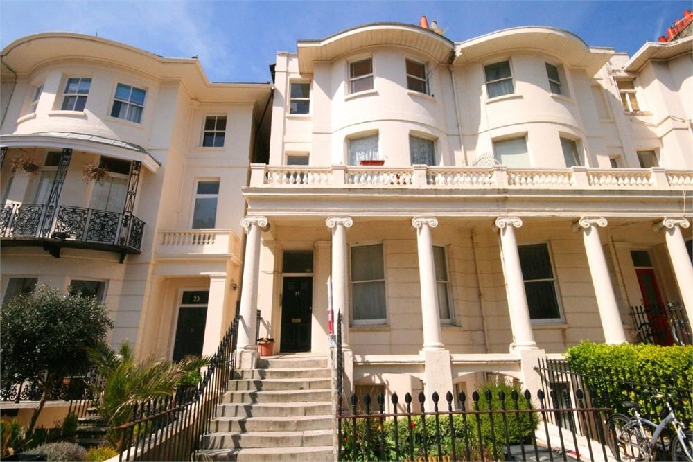 2 Bedrooms Flat for sale in Lansdowne Place, Hove, East Sussex