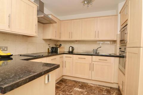 1 bedroom flat to rent - Harrier House, Battersea, SW11