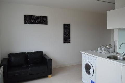 Studio to rent - Manor Mills, Ingram Street