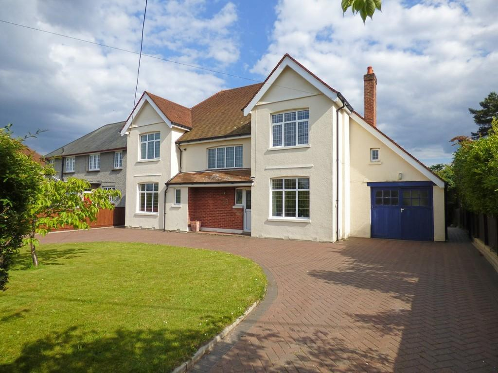 4 Bedrooms Detached House for sale in Upton Way, Broadstone