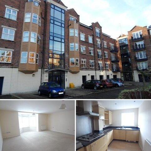 3 bedroom apartment to rent - CARISBROOKE ROAD, FAR HEADINGLEY, LEEDS, LS16 5RU
