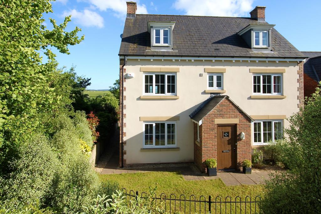 5 Bedrooms Detached House for sale in Usk, Monmouthshire