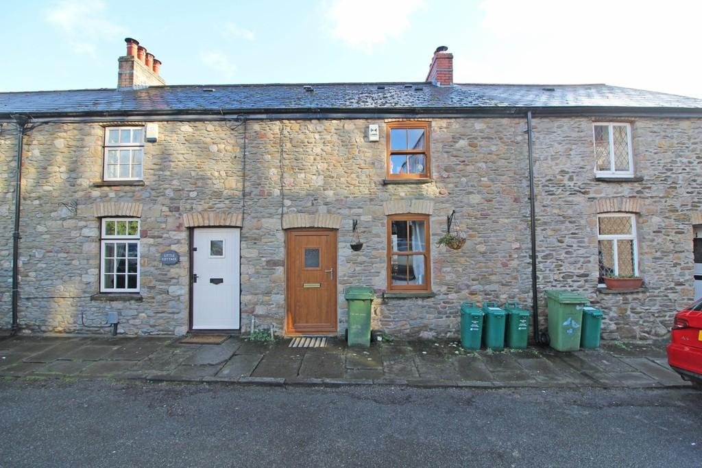 2 Bedrooms Terraced House for sale in Castle Street, Taffs Well
