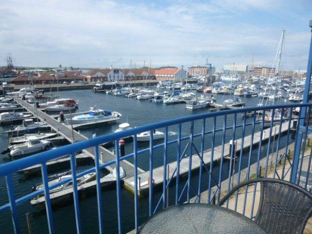 2 Bedrooms Flat for sale in MAYFLOWER HOUSE, MARINA, HARTLEPOOL