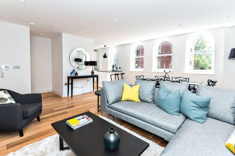2 Bedrooms Penthouse Flat for sale in Elizabeth House, Sheet Street, Windsor, Berkshire, SL4