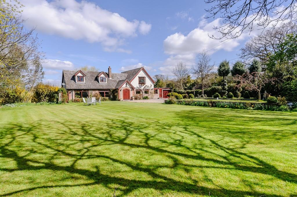 4 Bedrooms Detached House for sale in Ramsey