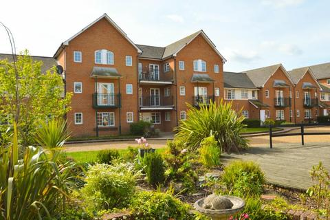 Knights Place, Windsor. 2 bedroom apartment to rent