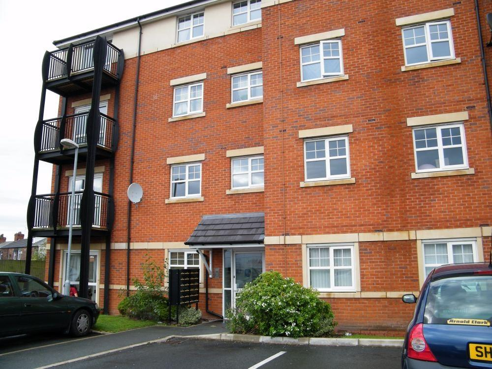 2 Bedrooms Flat for sale in Breccia Gardens, Parr, ST HELENS, Merseyside
