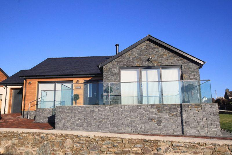 4 Bedrooms Detached House for sale in Menai Bridge, Anglesey