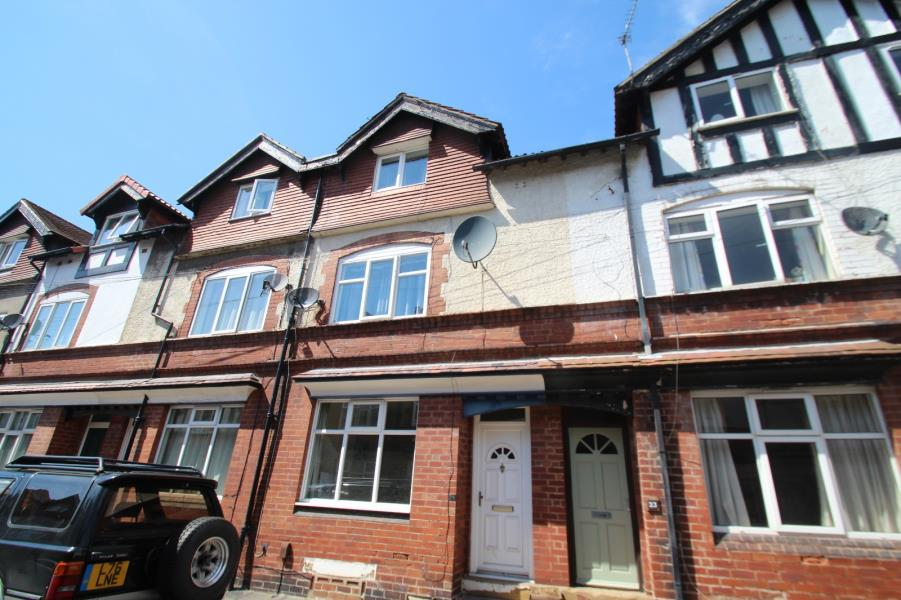 4 Bedrooms Terraced House for rent in HAWTHORN VIEW, CHAPEL ALLERTON, LS7 4PL