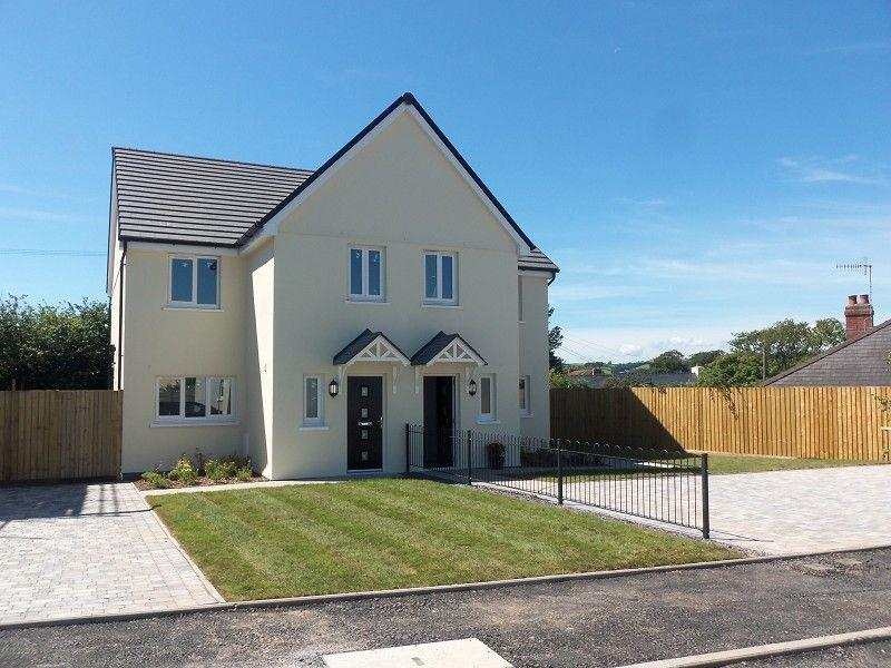 3 Bedrooms Semi Detached House for sale in Parc Y Ffynnon Ferryside, Carms.