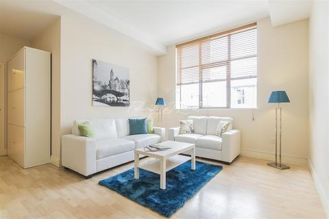 3 bedroom flat to rent - One Prescot Street, E1