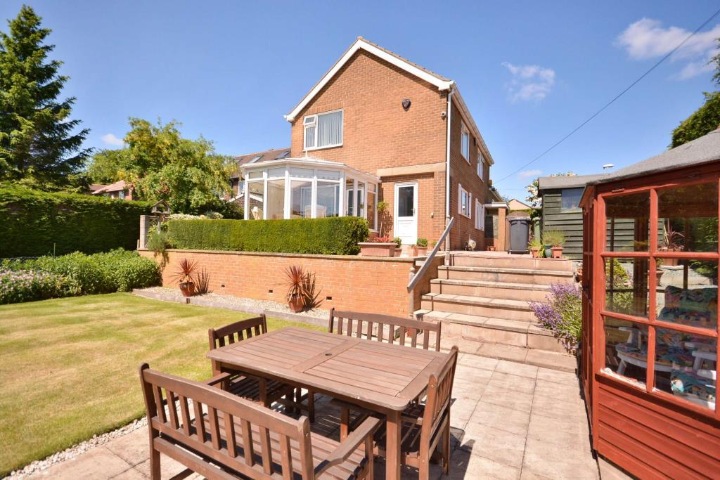 4 Bedrooms Detached House for sale in Gipsy Lane, Woodlesford, Leeds