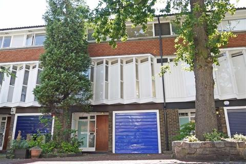 4 bedroom townhouse to rent - Pymers Mead, London