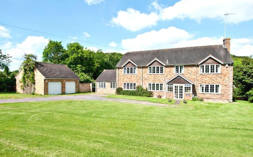 5 Bedrooms Detached House for sale in Deanfield, Saunderton, Buckinghamshire, HP14