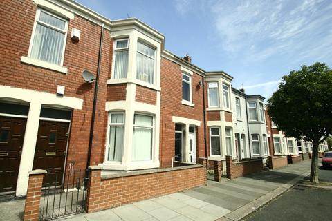2 bedroom ground floor flat to rent - King John Terrace, Heaton, NW6