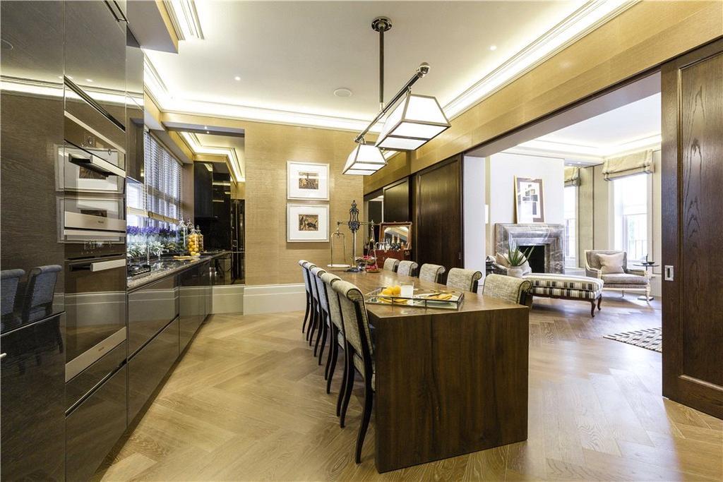 3 Bedrooms Flat for sale in Mount Street, Mayfair, London, W1K