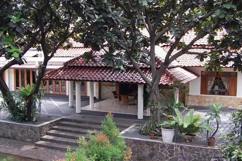 4 bedroom house  - Bintaro - South Jakarta