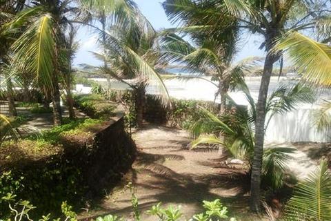Land  - Watamu Beach