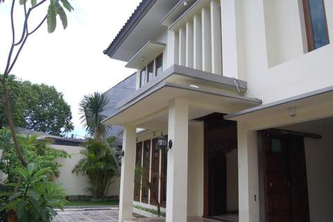 4 bedroom house  - Gunawarman House