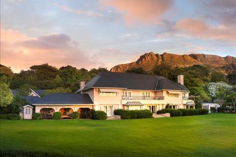 6 bedroom house  - Constantia, Cape Town