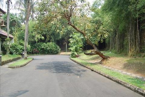 3 bedroom parking  - River Park Blok GF 4 No.19, Bintaro Sektor 6