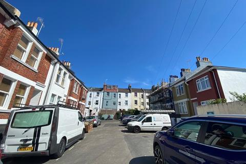 4 bedroom semi-detached house to rent - LINCOLN COTTAGES, BRIGHTON