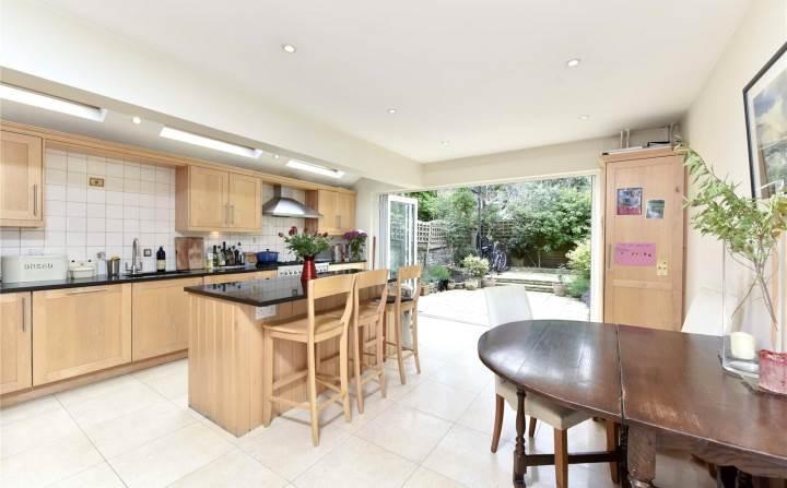 3 Bedrooms Terraced House for sale in Shelgate Road, Battersea, London, SW11