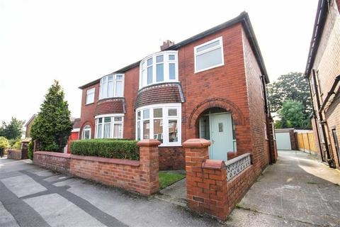 3 bedroom semi-detached house to rent - Broomfield Drive, South Reddish, Stockport