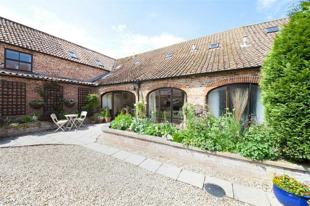 3 Bedrooms Mews House for sale in Hall Lane, Foggathorpe, York