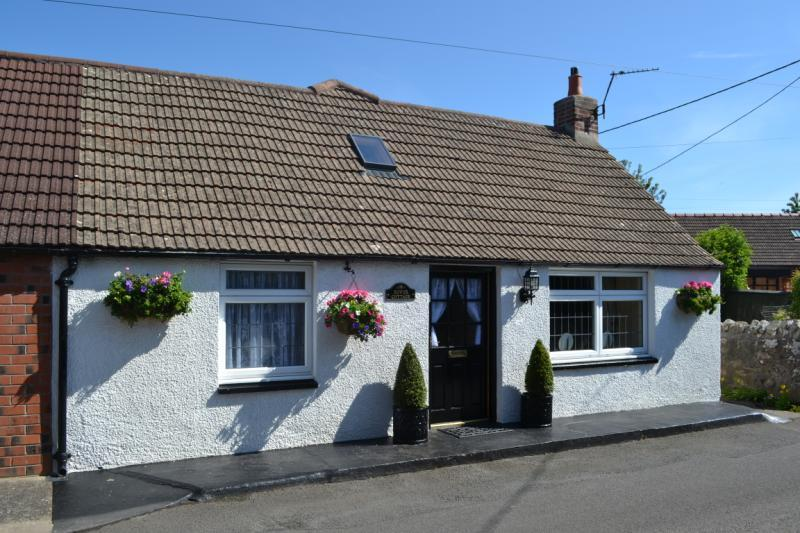 2 Bedrooms Semi Detached House for sale in Bower Cottage, Paxton, Berwick-upon-Tweed, Berwickshire, Scottish Borders