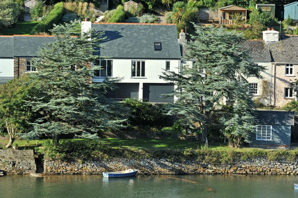 3 Bedrooms Cottage House for sale in Riverside Road East, Newton Ferrers PL8