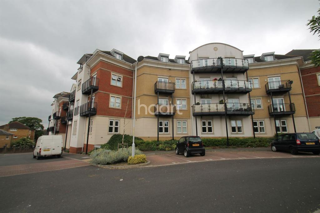 2 Bedrooms Flat for sale in Constance Grove, Dartford