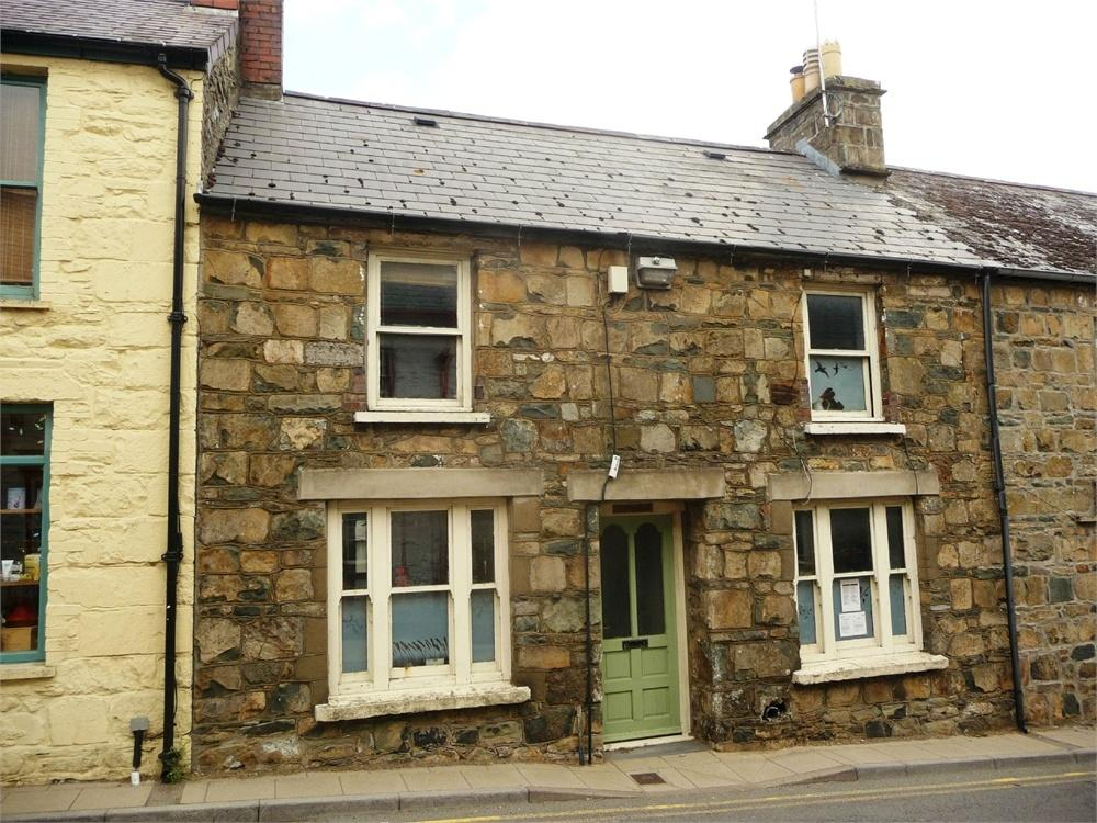 2 Bedrooms Terraced House for sale in Llwynderw, East Street, Newport, Pembrokeshire
