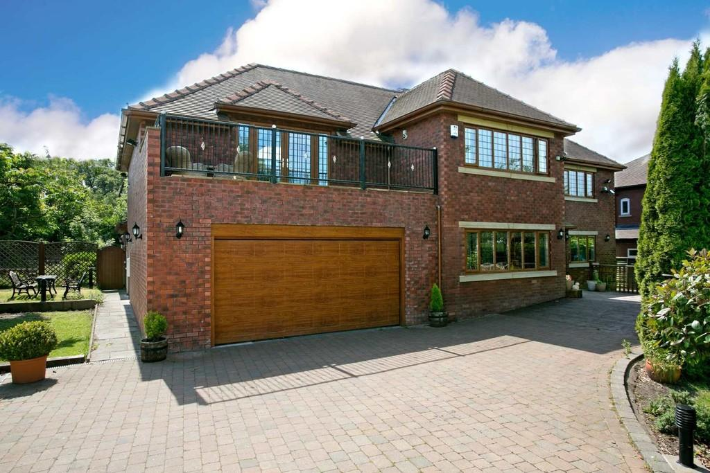 4 Bedrooms Detached House for sale in Barnsley Road, Sandal, Wakefield