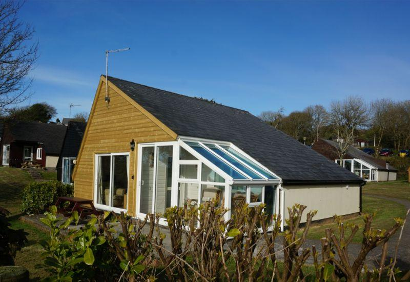 2 Bedrooms Detached Bungalow for sale in The Coombe, Penstowe, Kilkhampton, Bude, Cornwall