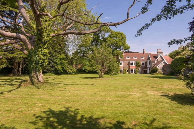 9 Bedrooms Detached House for sale in Langford Road, Langford, Bristol, North Somerset, BS40